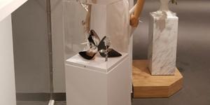 display-pedestals-thumbnail